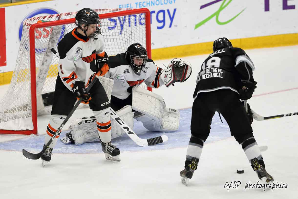 Kings Nikolas Campbell can't solve Magog's Xavier Dupont who gets help from Kaylen Gauthier in the 3rd period