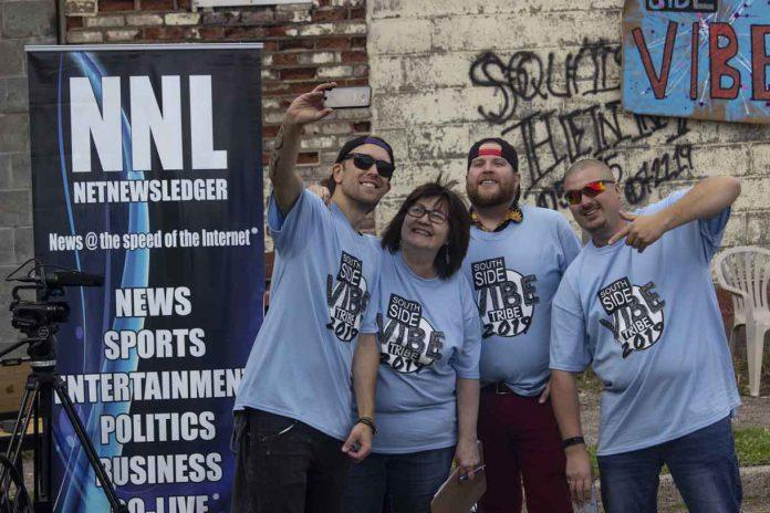 The Southside Vibe 'Tribe' celebrates with a selfie