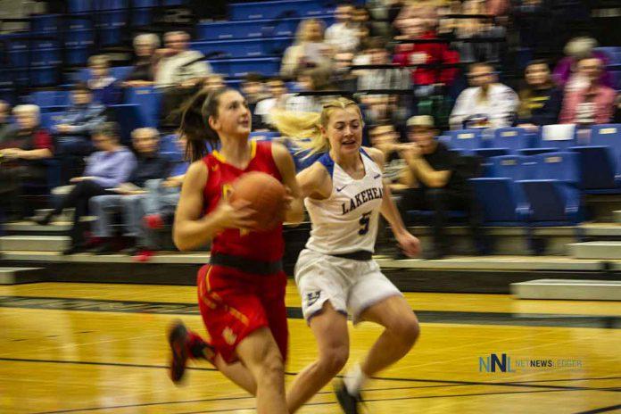 The University of Calgary Dinosaurs roared past the Lakehead Thunderwolves in Women's Basketball Action