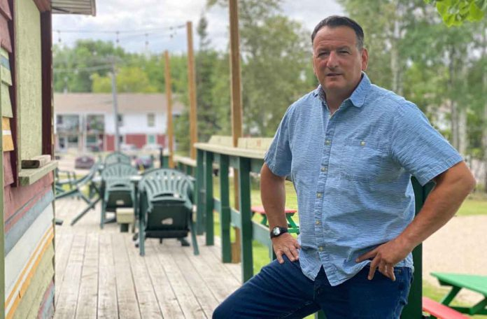 Resource-based tourism is vital states Minister Greg Rickford.