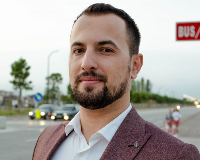 The CEO of Elektronika.al, Rei Prendi, also a renowned digital marketing and social media expert